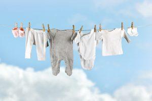 Những lưu ý các mẹ nên biết khi mua đồ cho trẻ sơ sinh 2