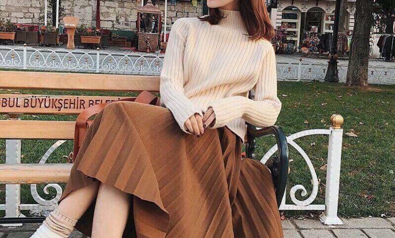 Chân váy dài mix với áo len